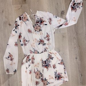 White and floral print long sleeves shorts romper
